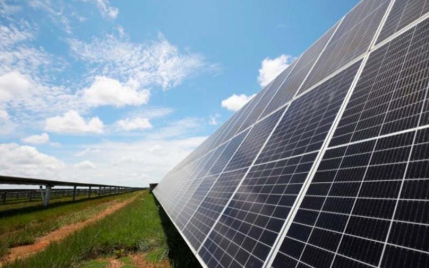 En Colombia, subasta de energía renovable privada abre paso a plantas medianas.