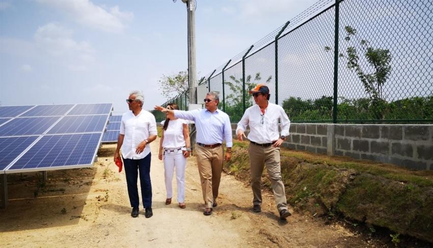 En Colombia, Departamento de Bolívar inaugura nueva granja solar.