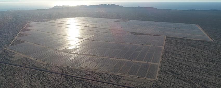 México rompe récords en construcción de central solar.
