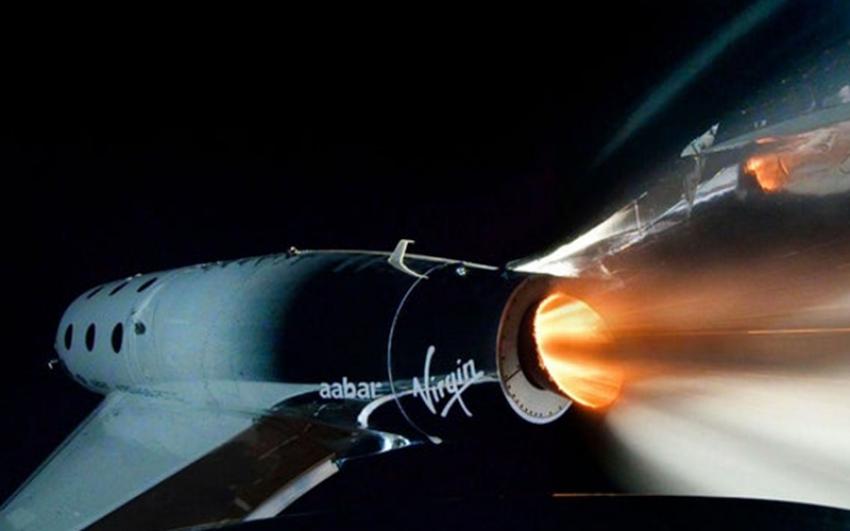 Virgin Galactic completa con éxito el primer vuelo al espacio